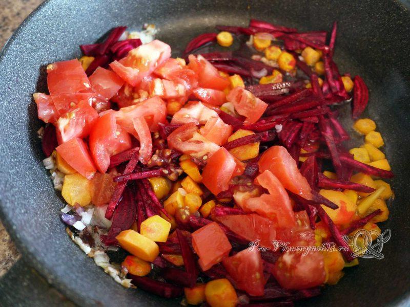 Борщ с ботвой - обжариваем помидоры
