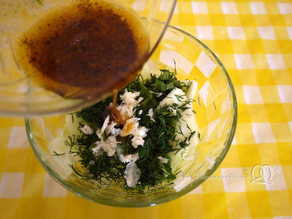 Маринованные кабачки быстрого приготовления - добавляем маринад