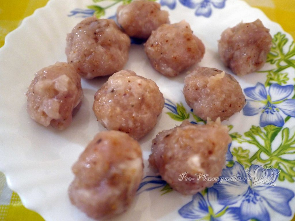 Овощное рагу с кабачками и мясом - лепим фрикадельки
