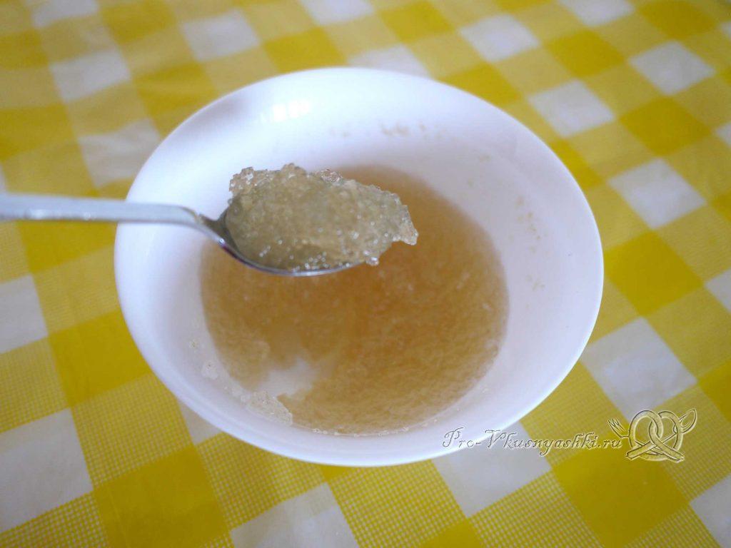 Творожный торт с желатином и малиной - набухший желатин