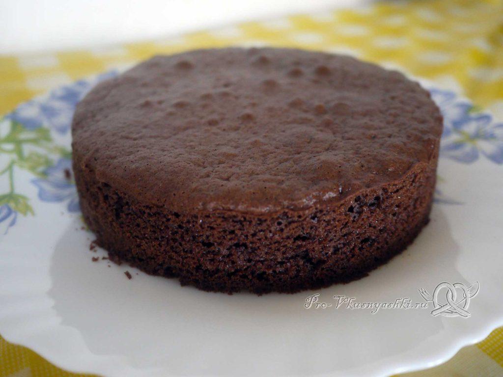 Творожный торт с желатином и малиной - остужаем бисквит