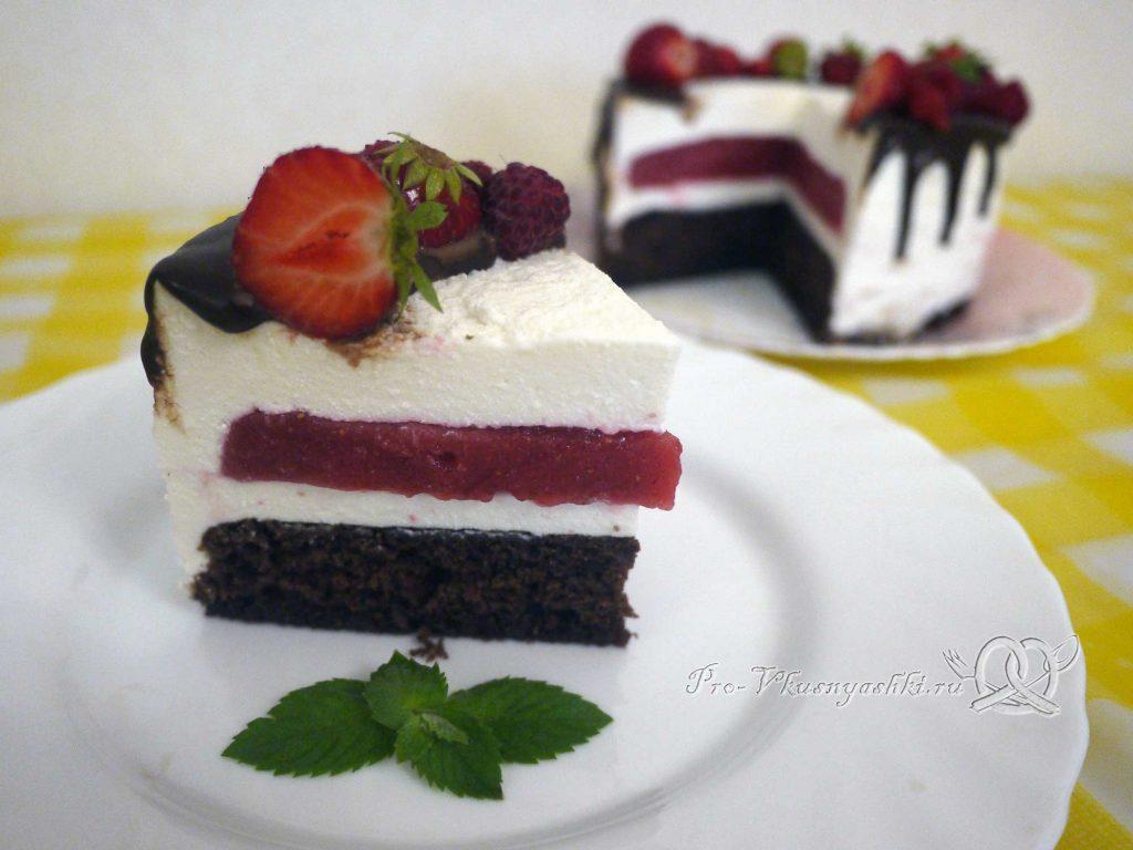 Творожный торт с желатином и малиной - подача