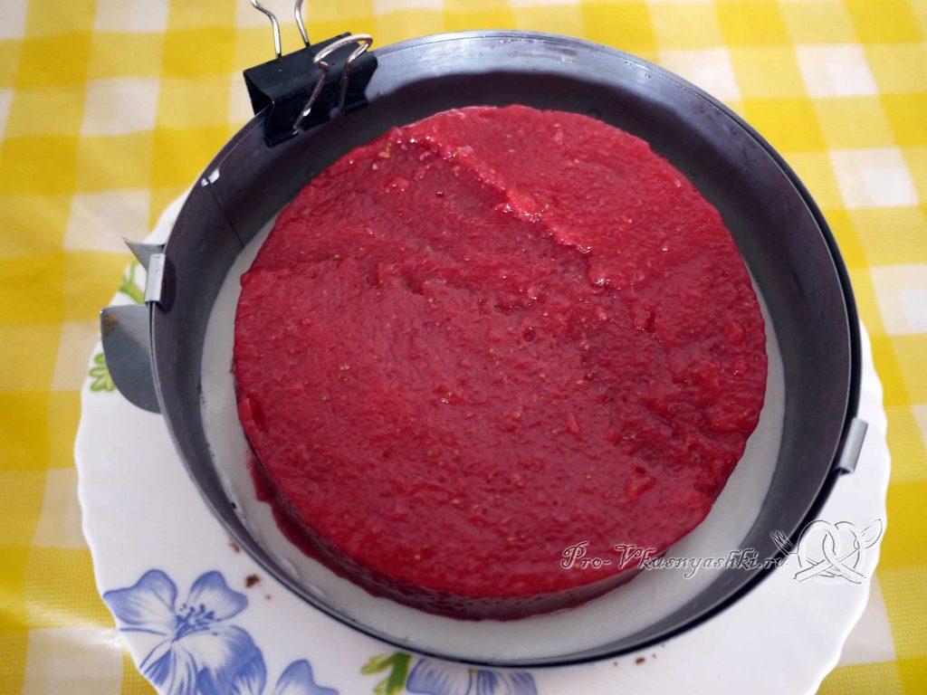 Творожный торт с желатином и малиной - выкладываем ягодное желе на творожную начинку