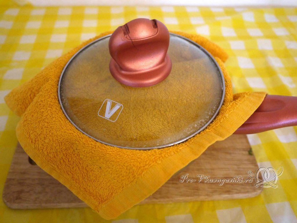 Салат с крабовыми палочками и кукурузой - удаляем из риса лишнюю влагу