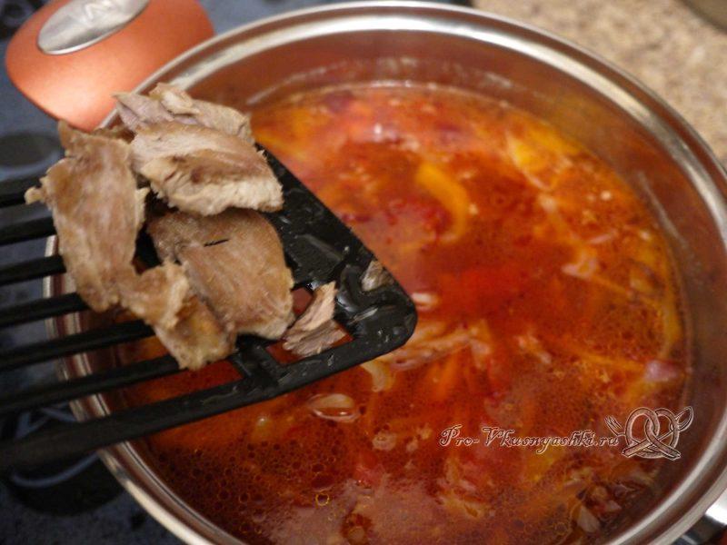 Борщ классический с мясом - добавляем мясо в суп