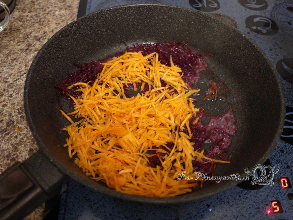 Борщ классический с мясом - обжариваем морковь