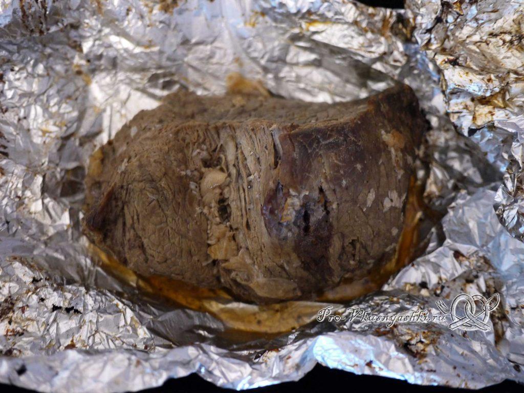 Говядина запеченная в духовке в фольге - мясо готово