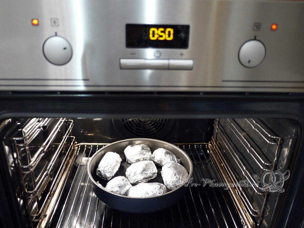 Картофель запеченный в духовке в фольге - запекаем картофель