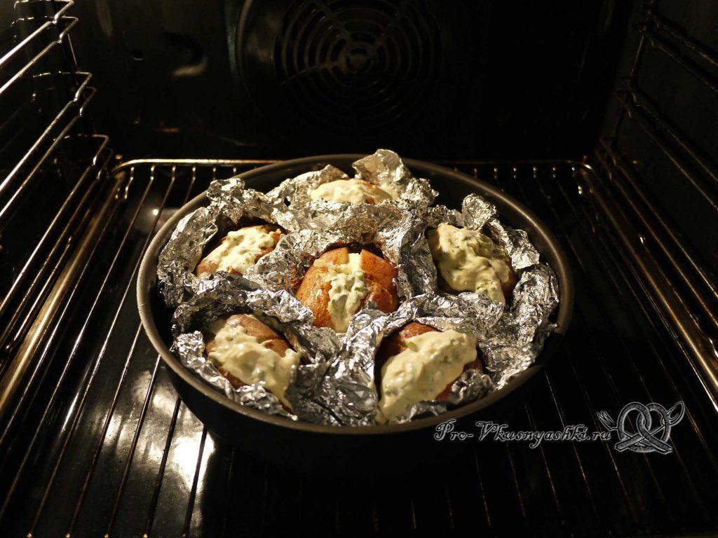 Картофель запеченный в духовке в фольге - запекаем картофель с соусом