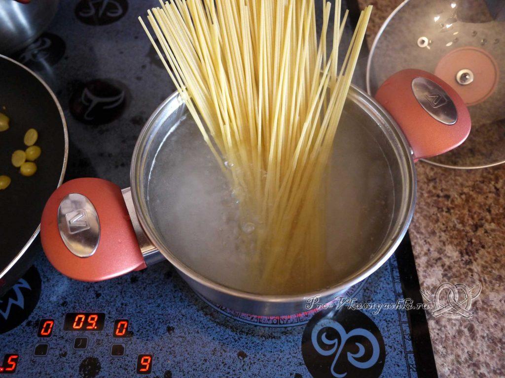 Макароны в сливочно-сырном соусе - варим макароны