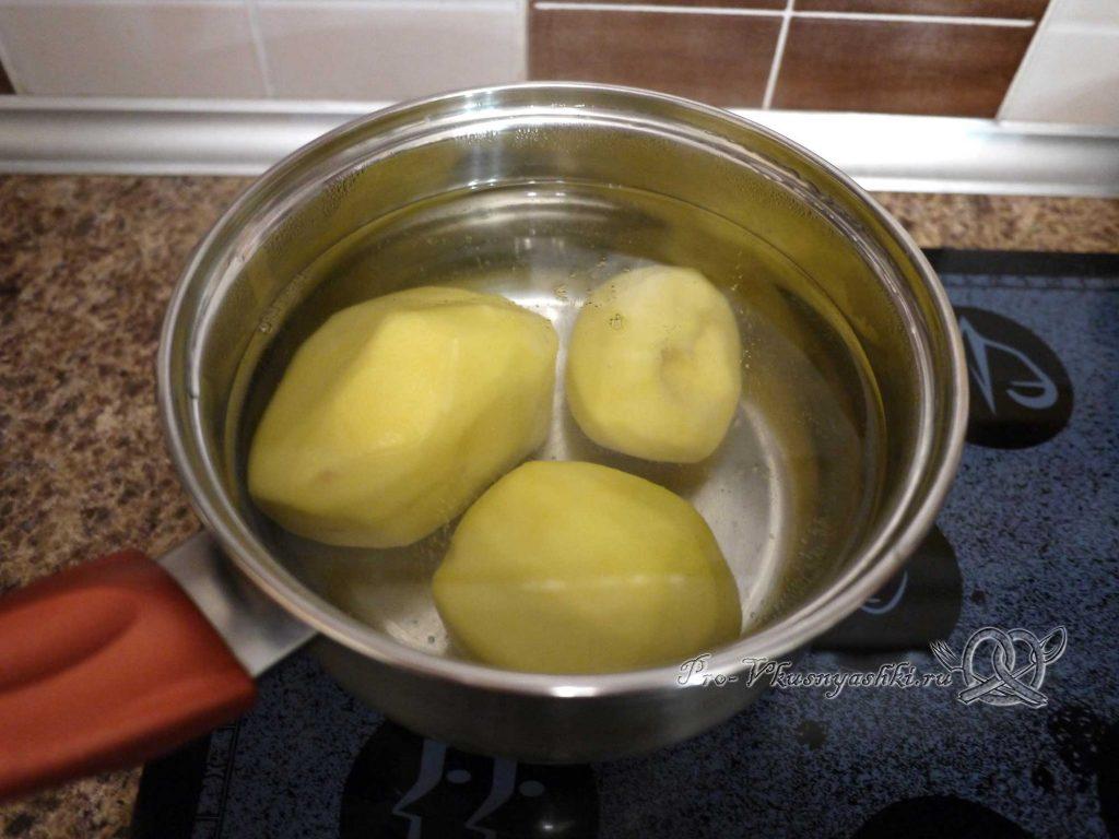 Салат «Ананас» - варим картофель