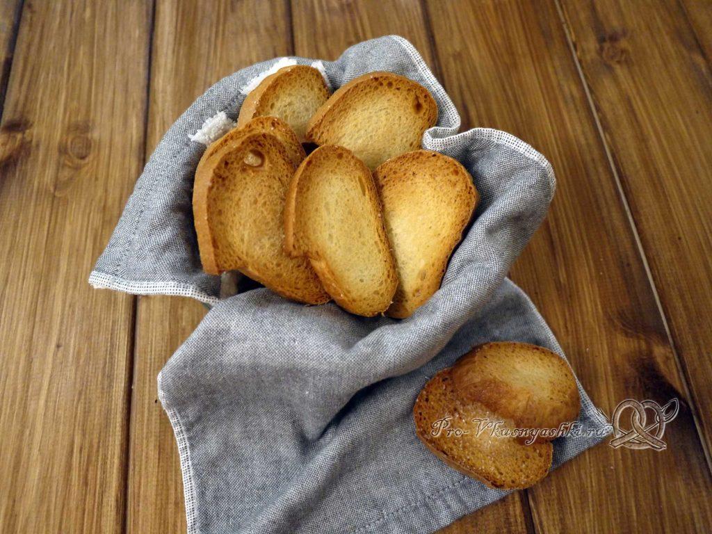 Сухари из белого хлеба в духовке - подача