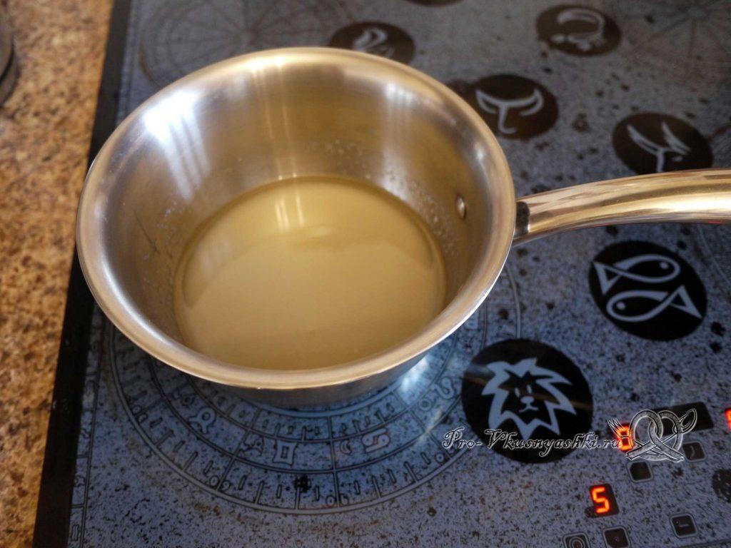 Булочки синнабон с корицей и карамелью - растворяем сахар в воде