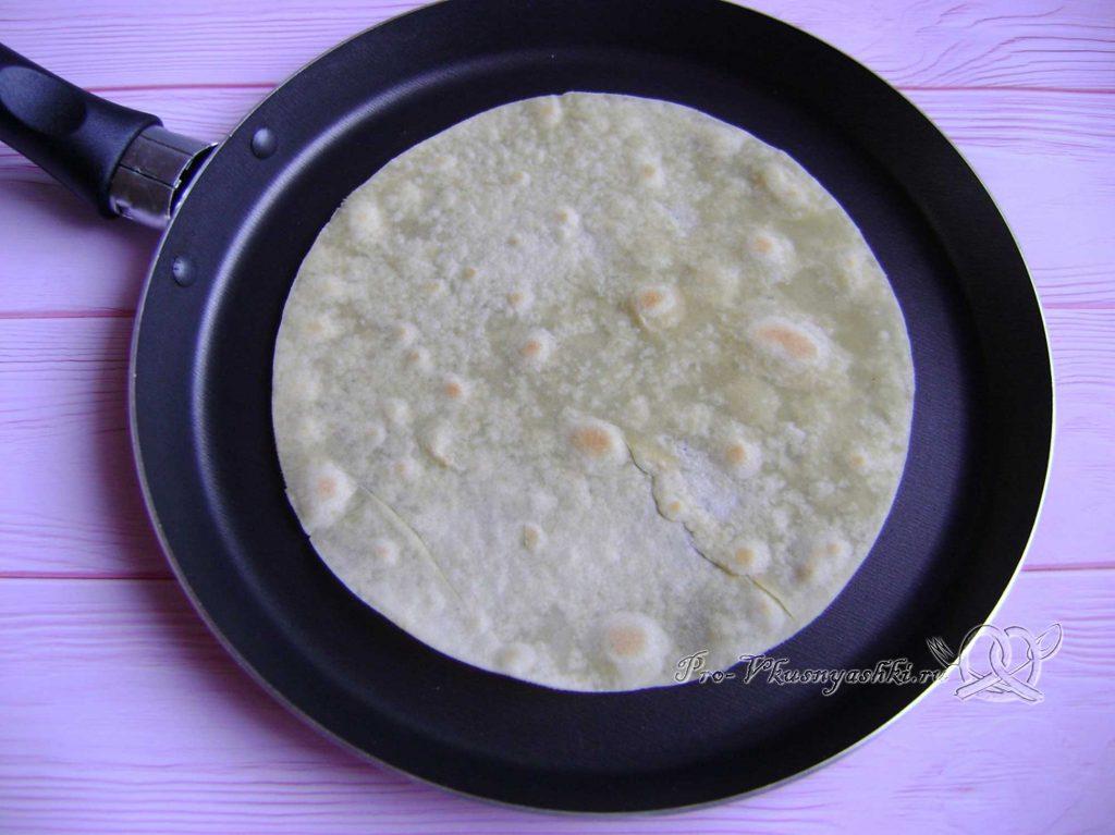 Кыстыбый с картошкой по-татарски - обжариваем лепешки