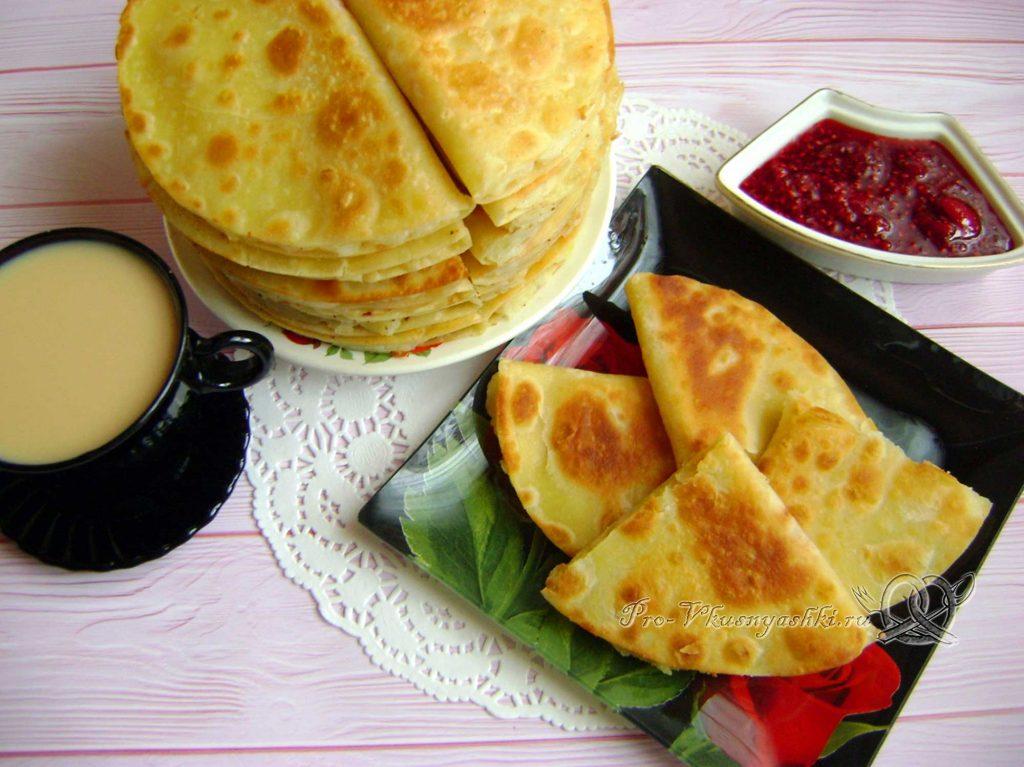 Кыстыбый с картошкой по-татарски - подача