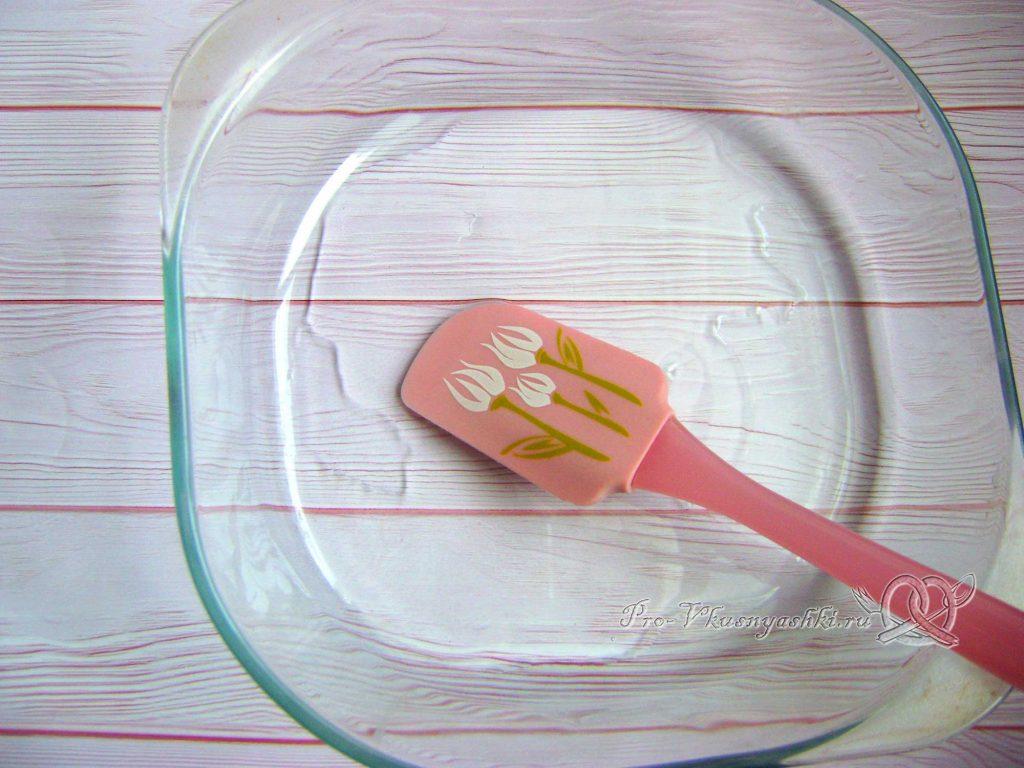 Картофельно-тыквенная запеканка с фаршем - смазываем форму