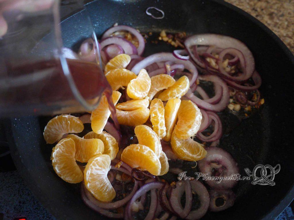 Курица фаршированная мандаринами в духовке - тушим начинку