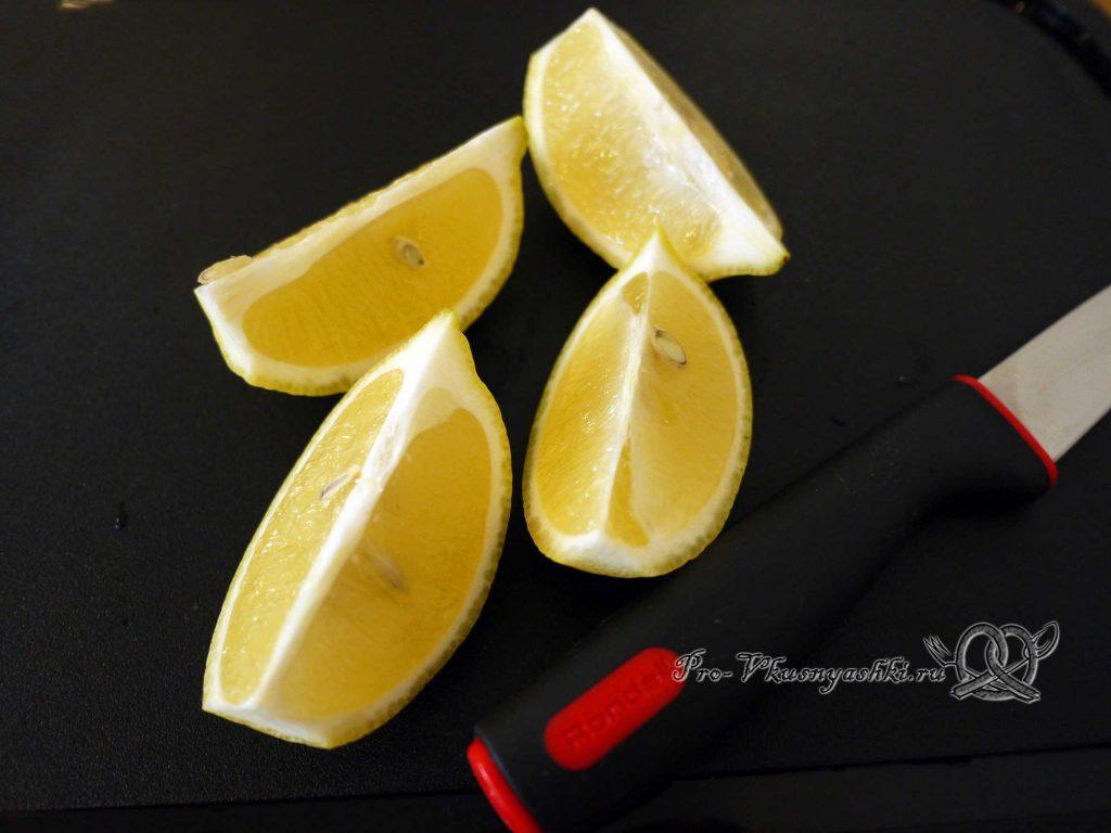 Соус Гуакамоле классический - нарезаем лимон