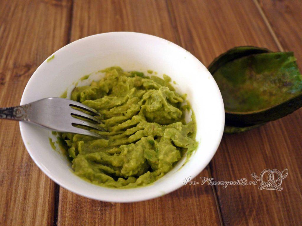 Соус Гуакамоле классический - разминаем авокадо