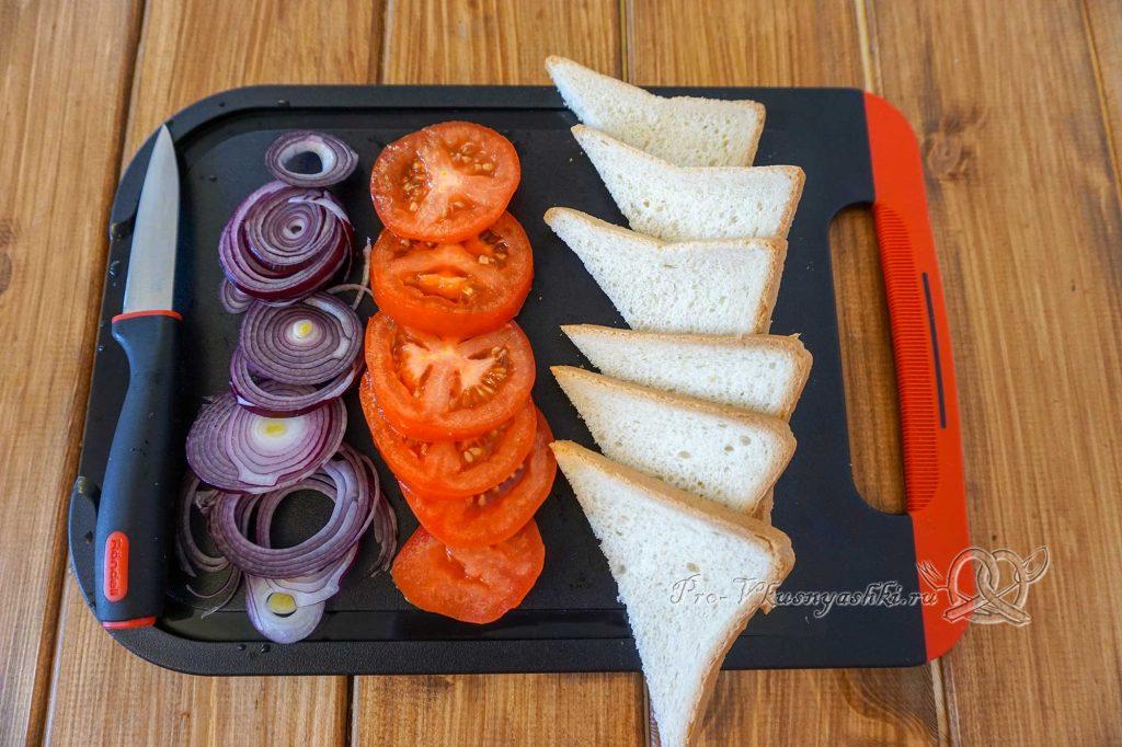 Сэндвич с индейкой, Гуакамоле и плавленым сыром - нарезаем овощи и хлеб