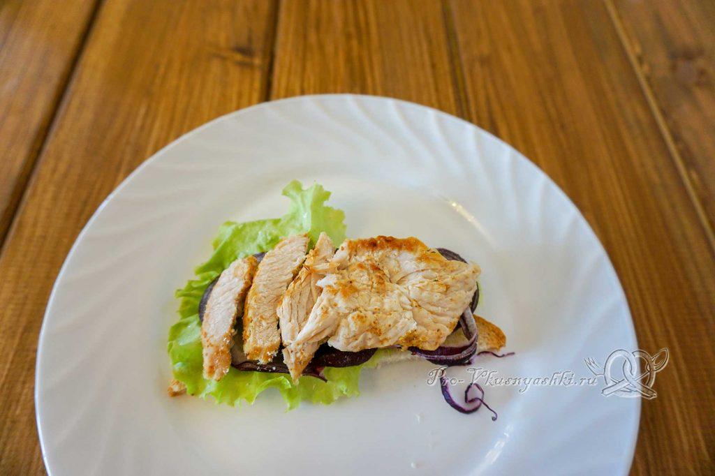 Сэндвич с индейкой, Гуакамоле и плавленым сыром - выкладываем индейку