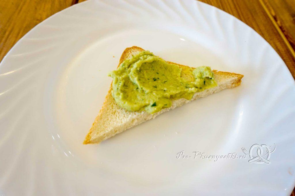Сэндвич с индейкой, Гуакамоле и плавленым сыром - выкладываем Гуакамоле