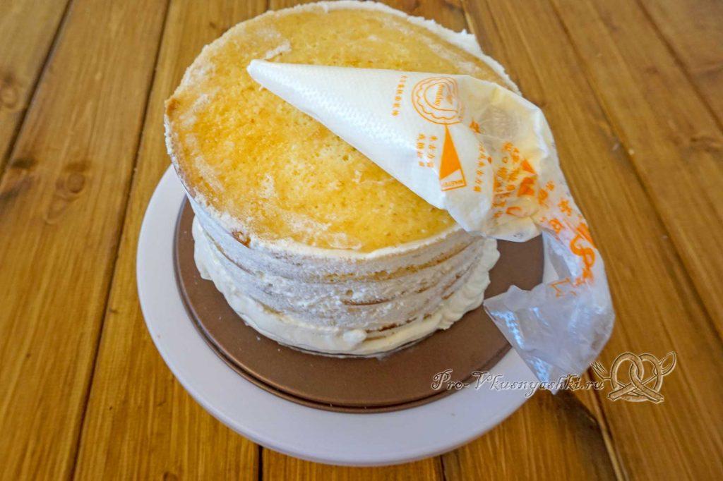 Торт «Молочная девочка» - покрываем торт кремом