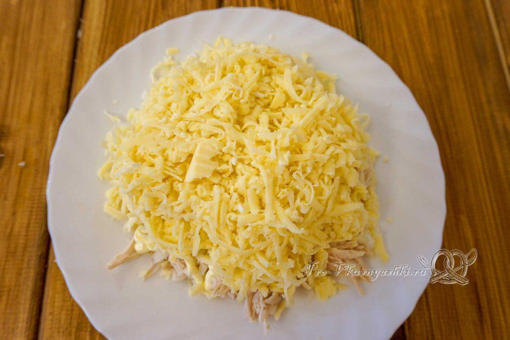 Салат Изумрудный с киви - выкладываем сыр