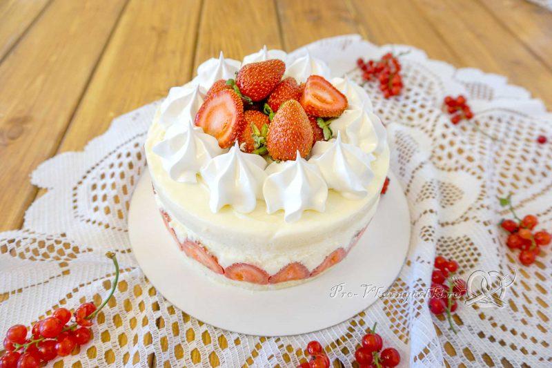 Торт Фрезье с клубникой - готовый торт