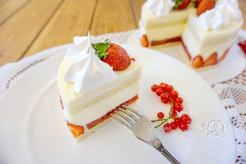 Торт Фрезье с клубникой - подача