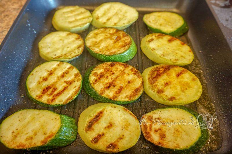Кабачки на сковороде гриль - обжариваем кабачки с другой стороны