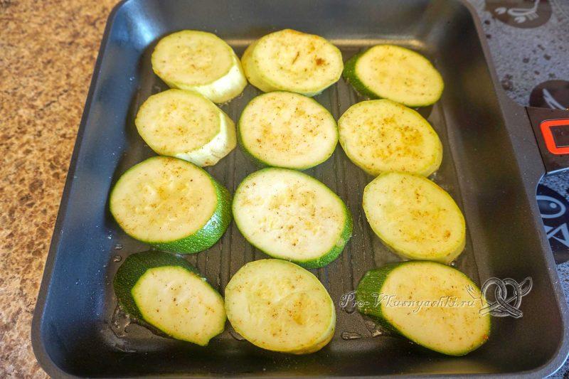 Кабачки на сковороде гриль - обжариваем кабачки с одной стороны