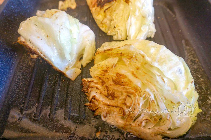 Капуста на сковороде гриль - обжариваем капусту с другой стороны