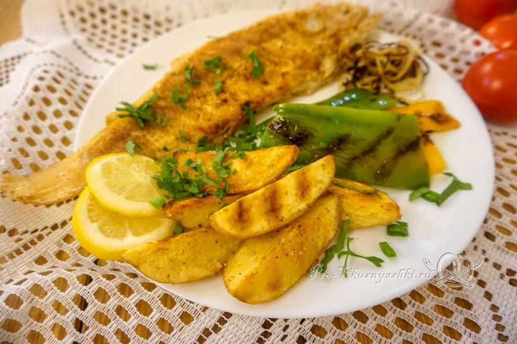 Картофель на сковороде гриль - подача