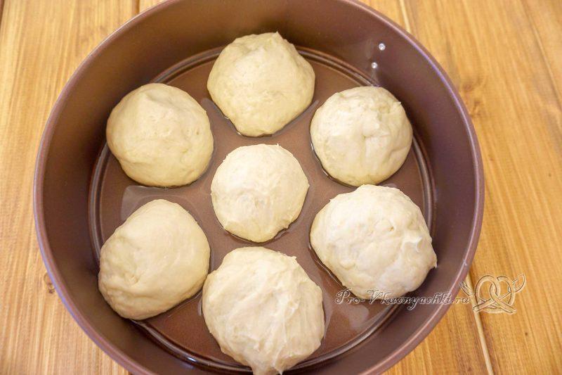 Пампушки с чесноком к борщу - формуем пампушки