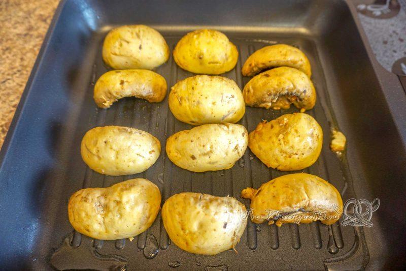 Шампиньоны на сковороде гриль - обжариваем грибы с одной стороны