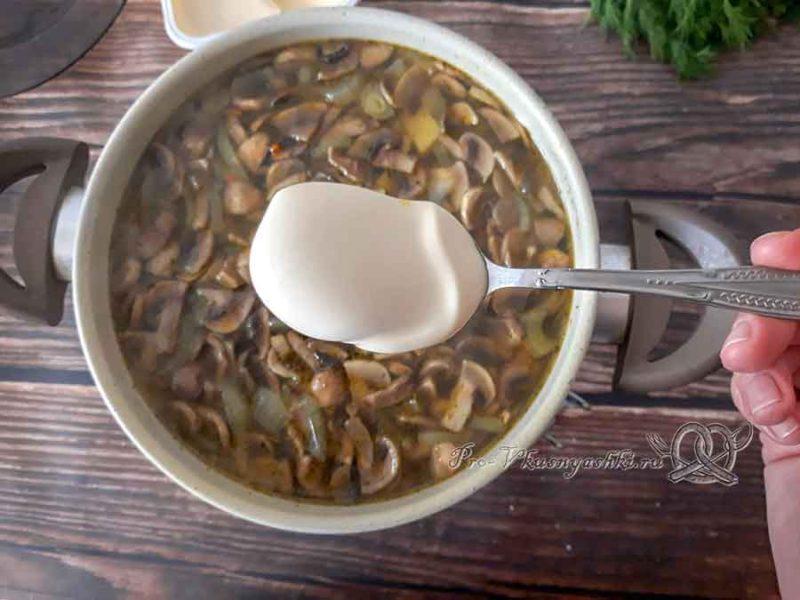 Сырный суп с шампиньонами - добавляем сыр в суп
