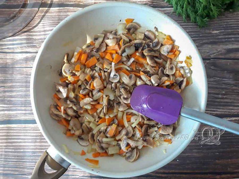 Сырный суп с шампиньонами - зажарка