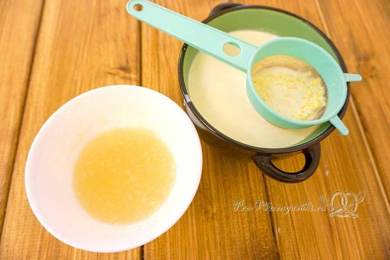 Торт с лимонами и апельсинами - добавляем сливки в цедру и замачиваем желатин
