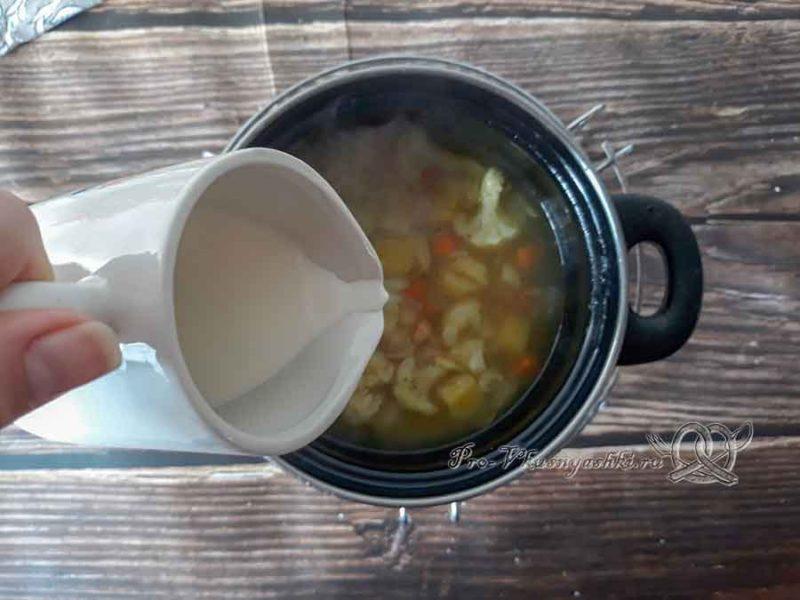 Крем-суп из цветной капусты со сливками - добавляем сливки