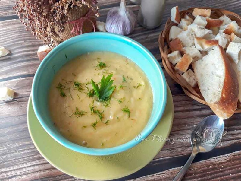 Крем-суп из цветной капусты со сливками - подача