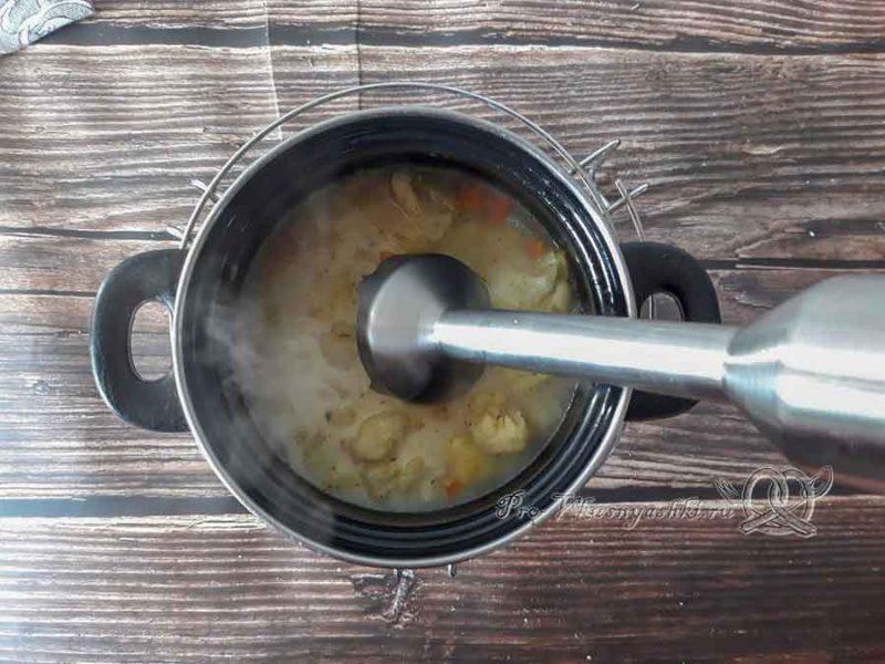 Крем-суп из цветной капусты со сливками - пюрируем суп