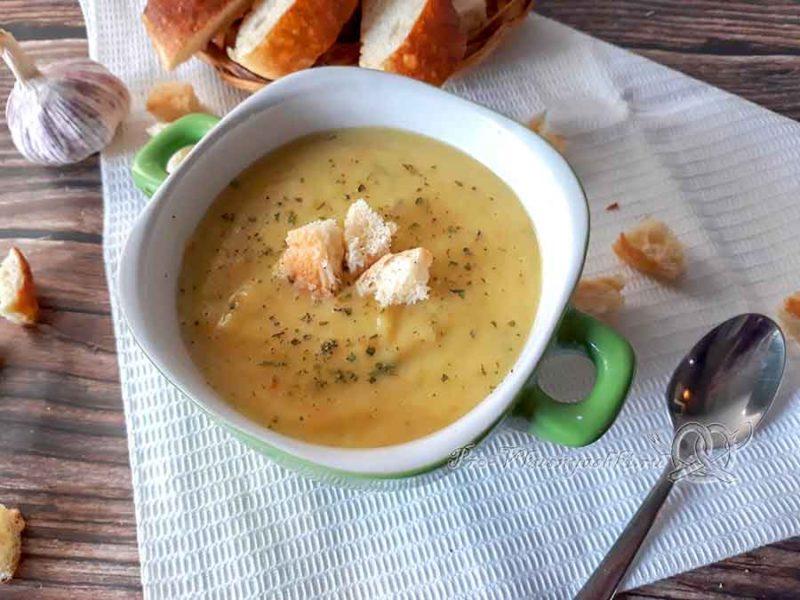 Овощной крем-суп со сливками - подача