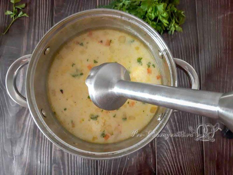 Сырный суп-пюре с курицей и плавленным сыром - пюрируем суп