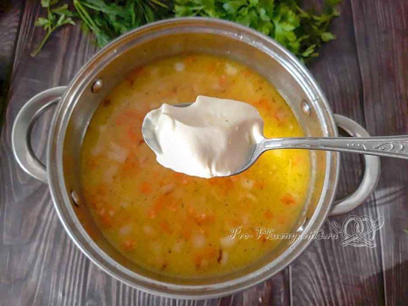 Сырный суп с курицей и плавленным сыром - добавляем сыр в суп