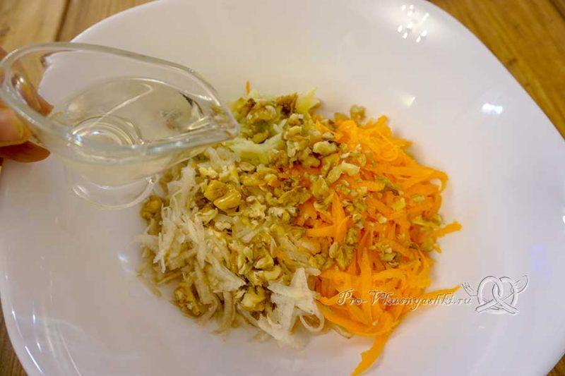 Салат из топинамбура с морковью и яблоком - добавляем масло