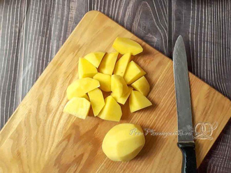 Шурпа из говядины - нарезаем картофель