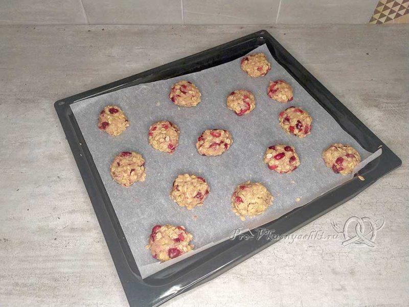 Овсяное печенье с клюквой - формуем печенье