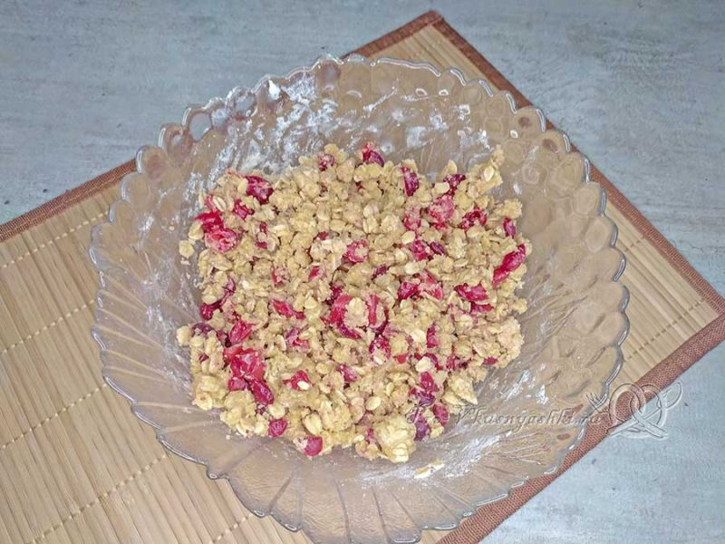 Овсяное печенье с клюквой - тесто