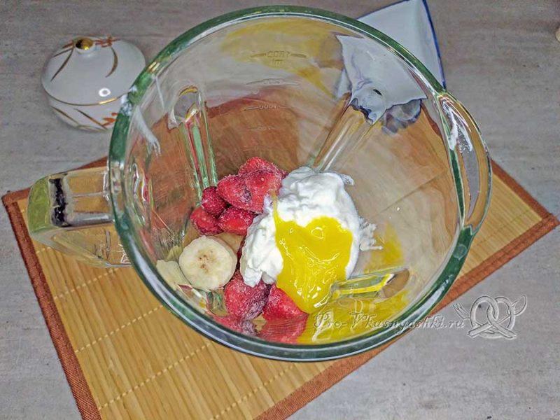 Фруктовое мороженое - смешиваем ингредиенты